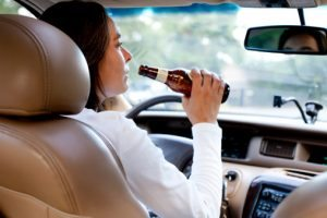 drinking-beer-while-driving